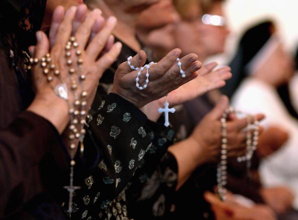 Pregare il Rosario: è biblico?