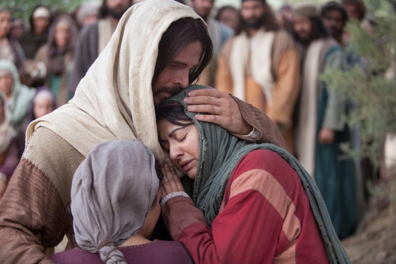 Jesus-Hugging-Woman[1]