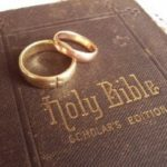 golden-wedding-rings-on-holy-bible_2592333[1]